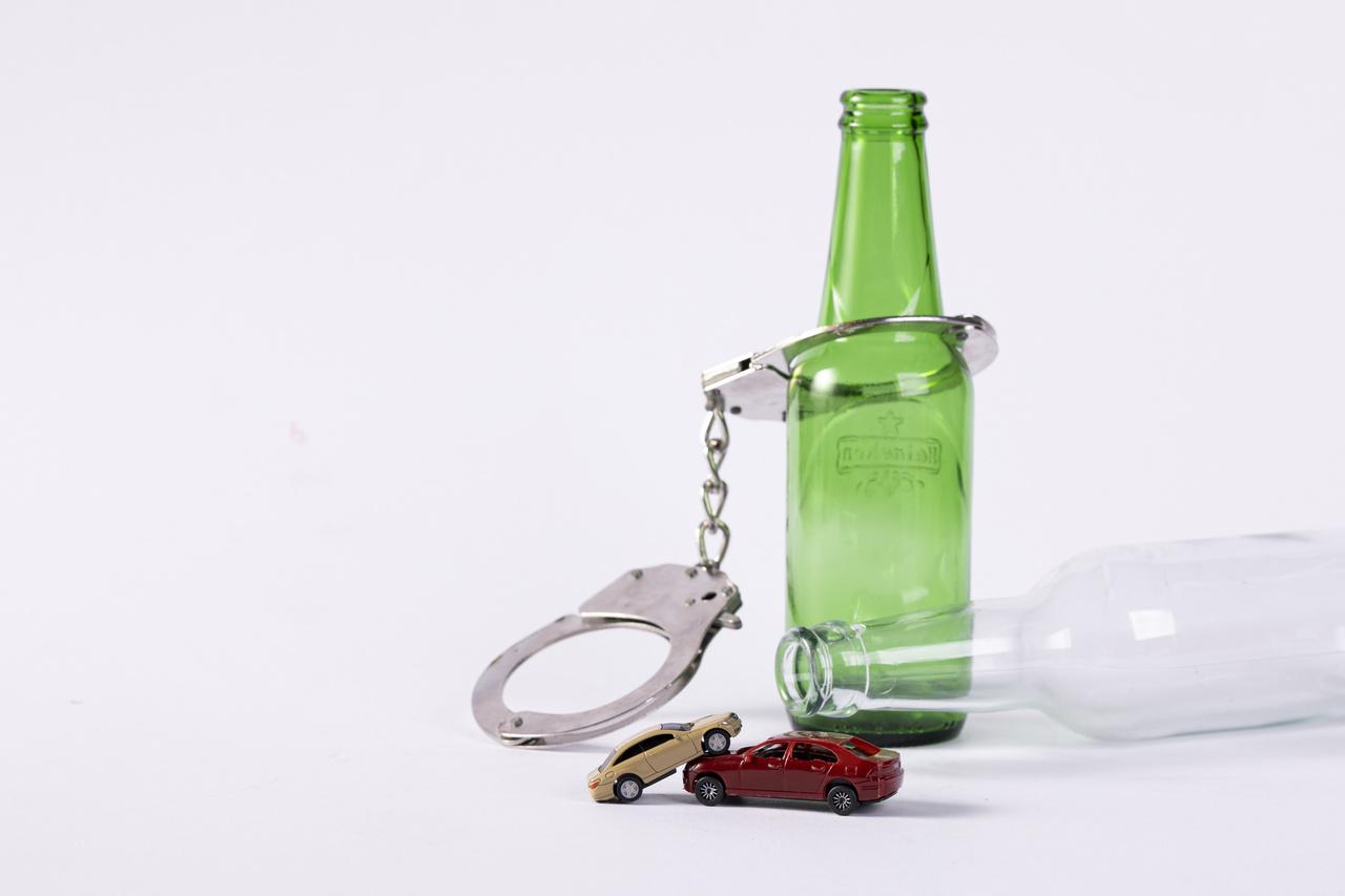 发生车祸驾驶证怎么领回