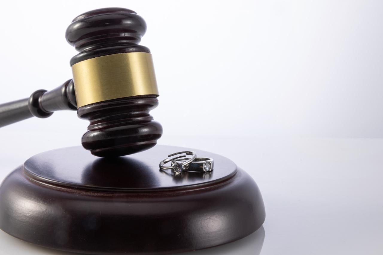职务侵占罪立案属于自诉案件吗